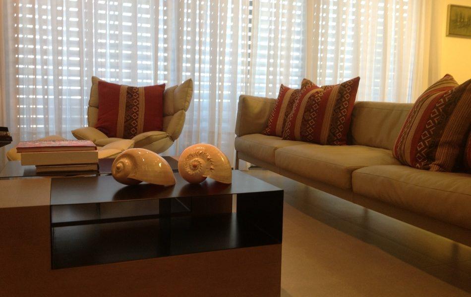 דירה בצפון תל-אביב - חדר מגורים