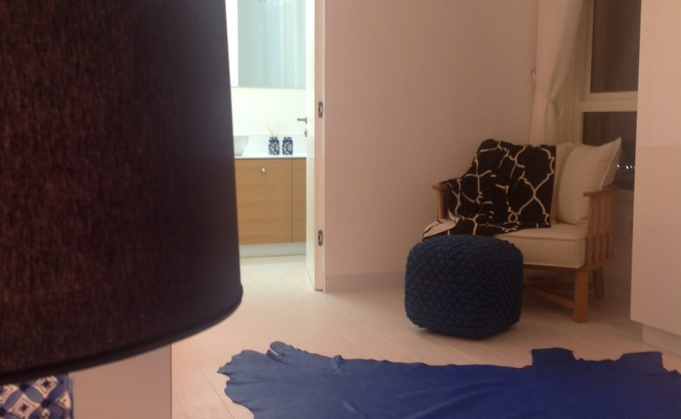 דירה כפולה בבת-ים - מבט לחדר הרחצה מחדר השינה