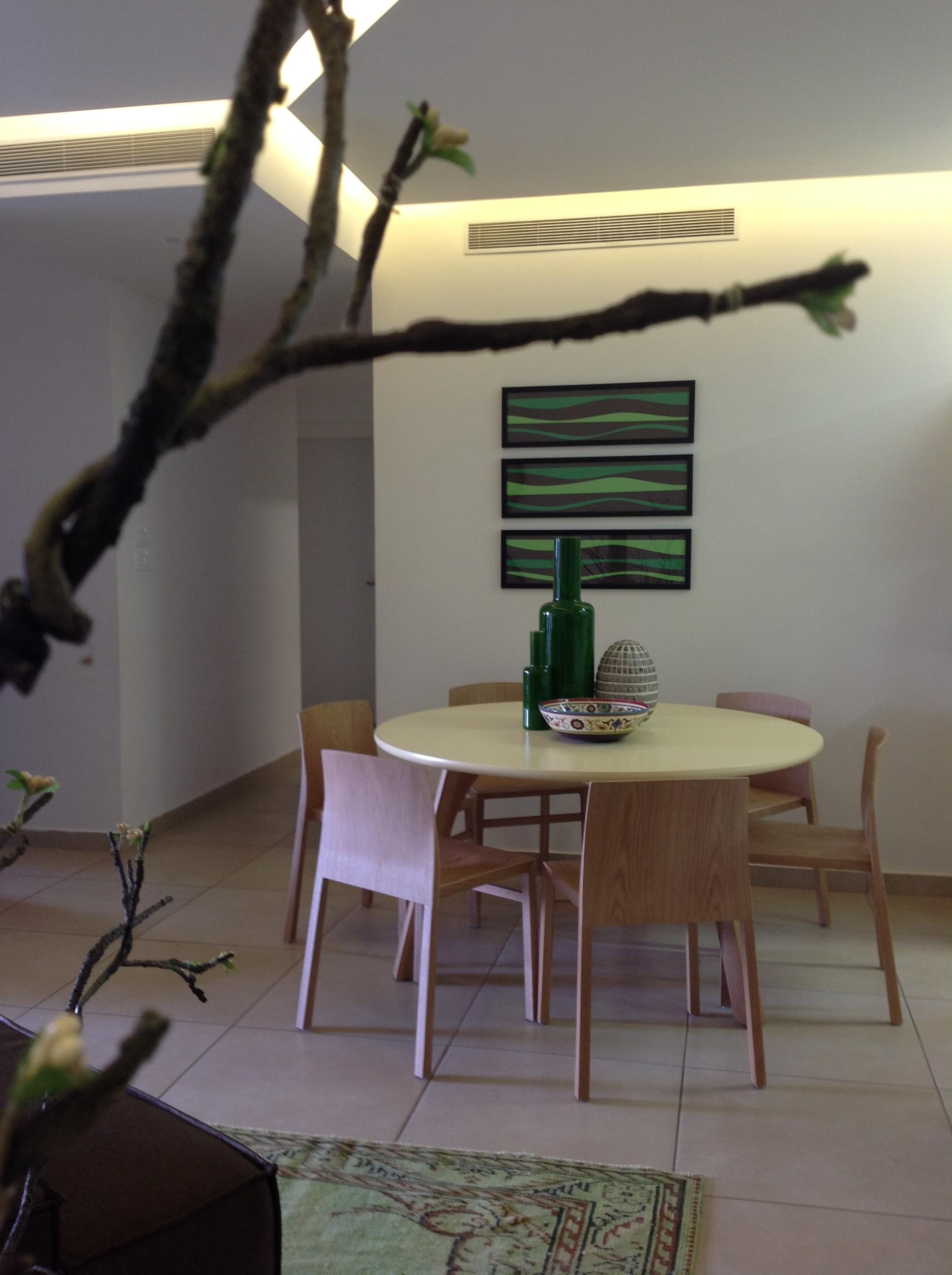 חלל מגורים בדירה בנתניה - פינת אוכל