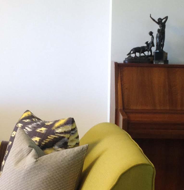 דירה בגבעתיים - קיר הפסנתר