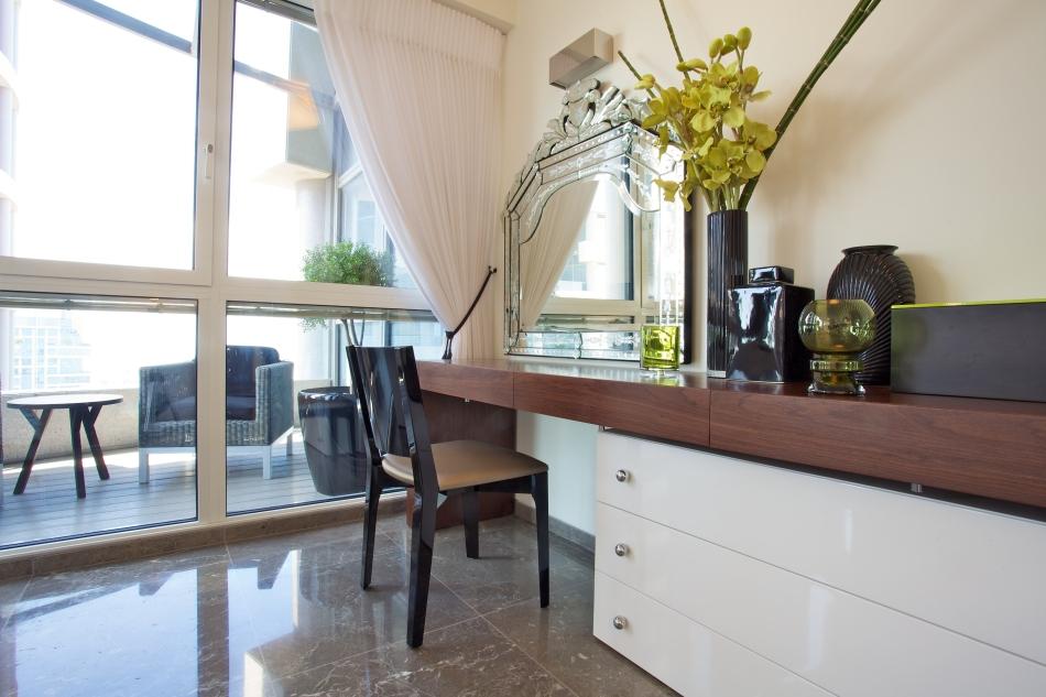 דירה במגדל YOO – חדר שינה, שולחן איפור