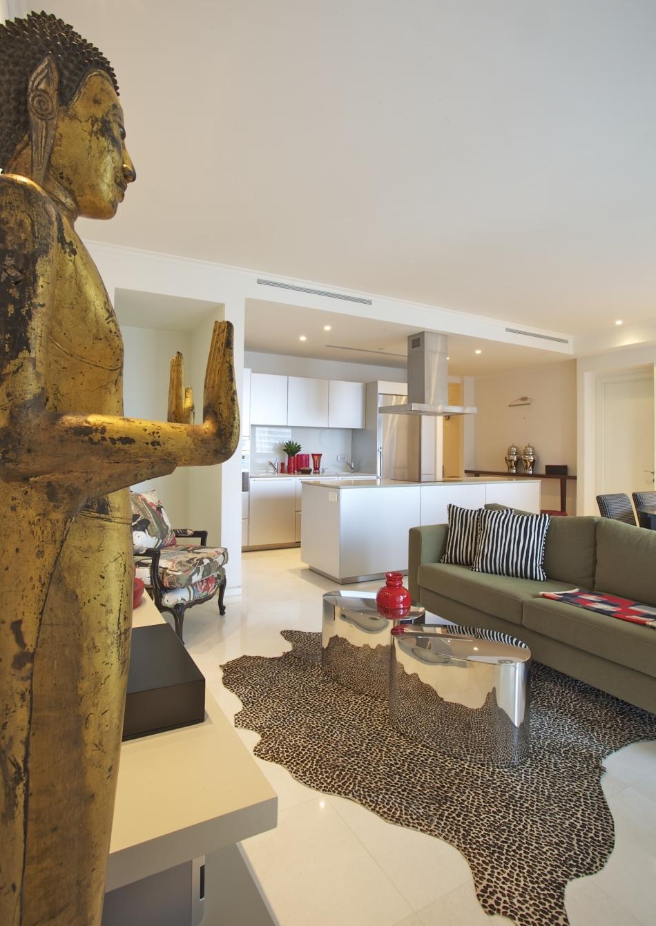 חלל מגורים בדירה במגדל YOO