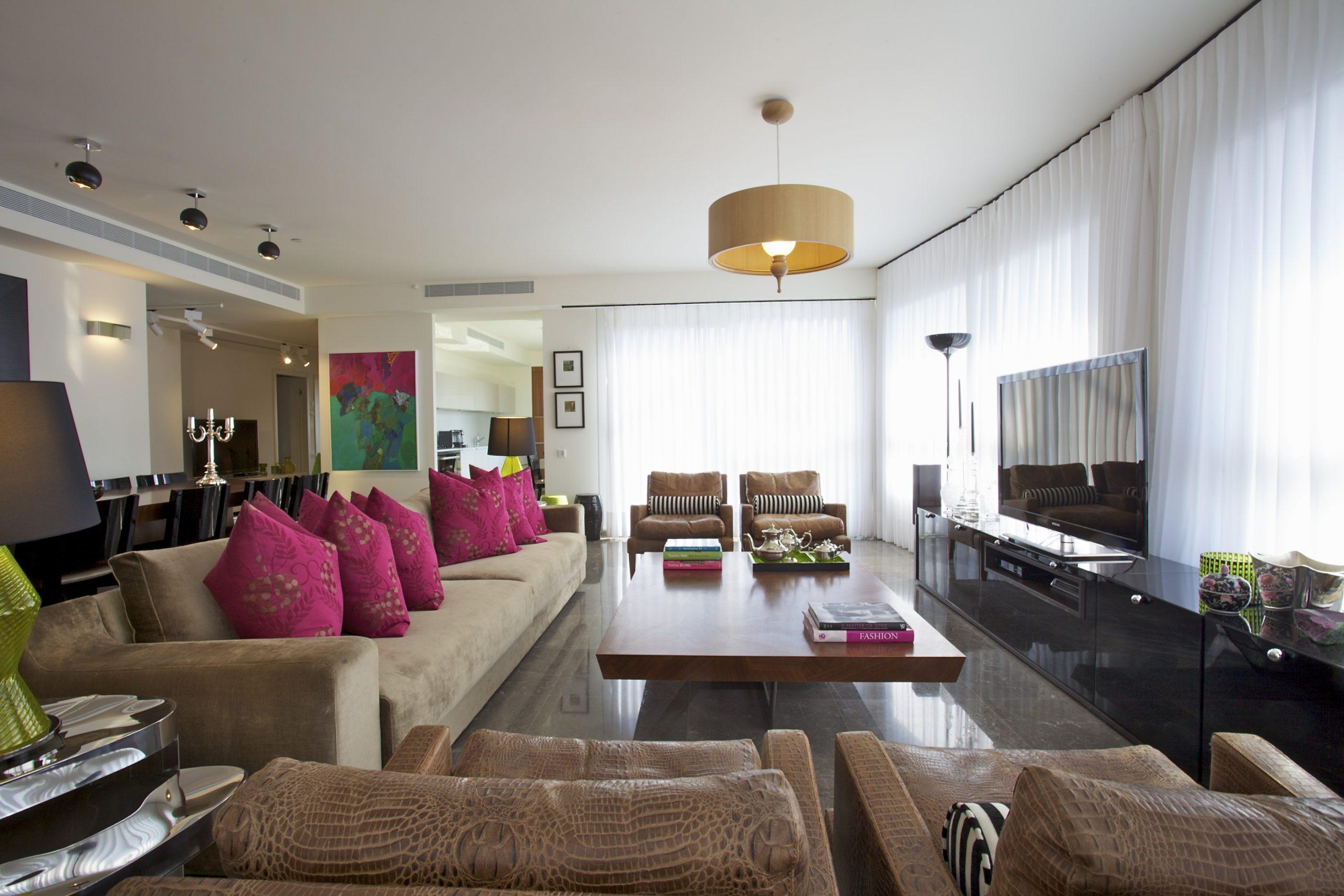 דירה במגדל YOO – חדר מגורים, מראה כללי
